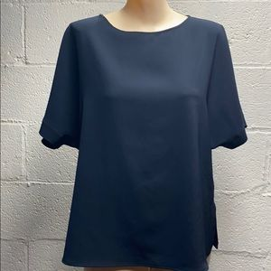 Uniqlo navy blouse